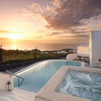 16. 20% off suites and villas at Santo Maris Oia in Santorini