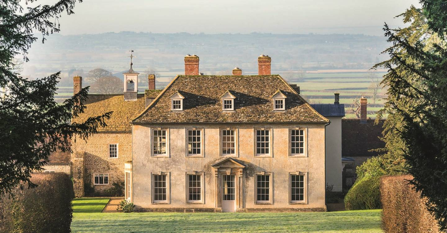 Large country houses to rent and party houses to hire in Britain ...