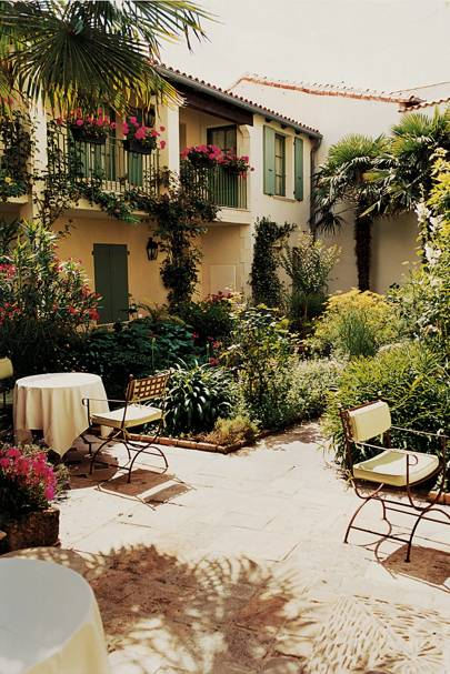 The Courtyard Garden At L Hôtel De Toiras