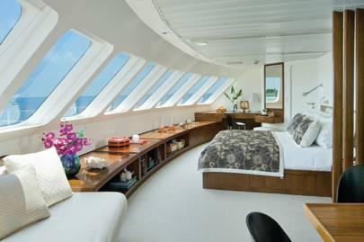 Cruise around the Maldives