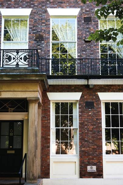 Liverpool best restaurants bars hotels and things to for 2 blackburne terrace liverpool