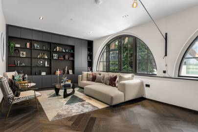 AN INDUSTRIAL-CHIC FLAT