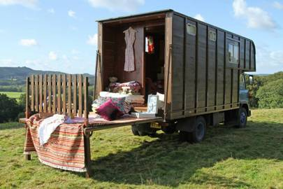 Ges the Horsebox, Surrey