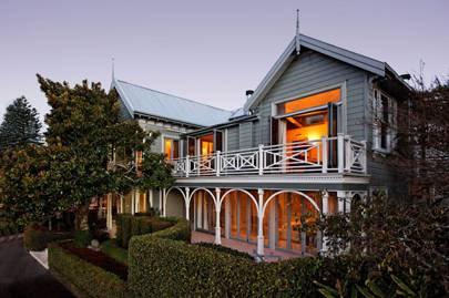 Mollies, Auckland