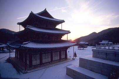 Stay in a Buddhist temple overnight