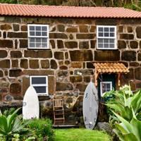 Caldeira Guesthouse and surfcamp, São Jorge