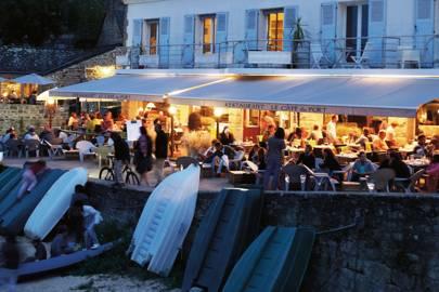 Dining in Sainte-Marine, Finistère