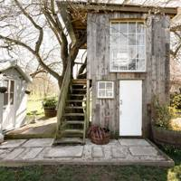 Tiny treehouse for two, Mells