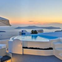 Charming houses to rent in Greece