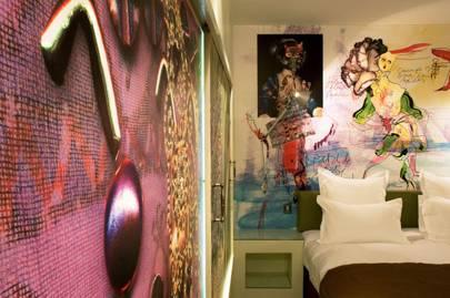 Hotel de Petit Moulin, Paris