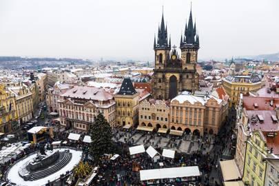OLD TOWN SQUARE CHRISTMAS MARKET, PRAGUE, CZECH REPUBLIC
