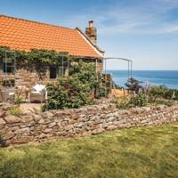 Bay View cottage, Whitby, Yorkshire (via Unique Homestays)