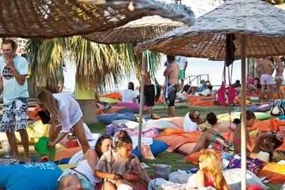 Beach clubs near Alaçatı