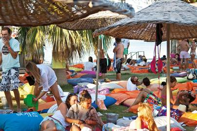 Beach clubs near Alaçatı