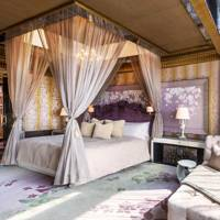 7. The St Regis Singapore