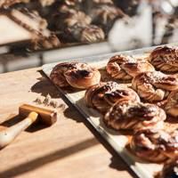 3. TUCK INTO THE TASTIEST CINNAMON BUNS
