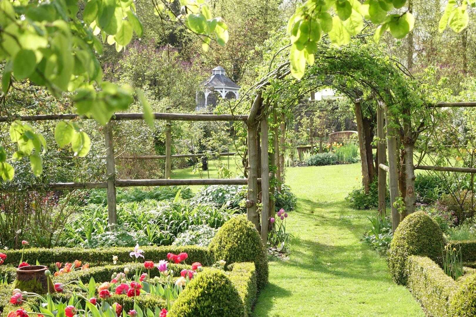 Best Gardens For Spring Flowers In The Uk Cn Traveller