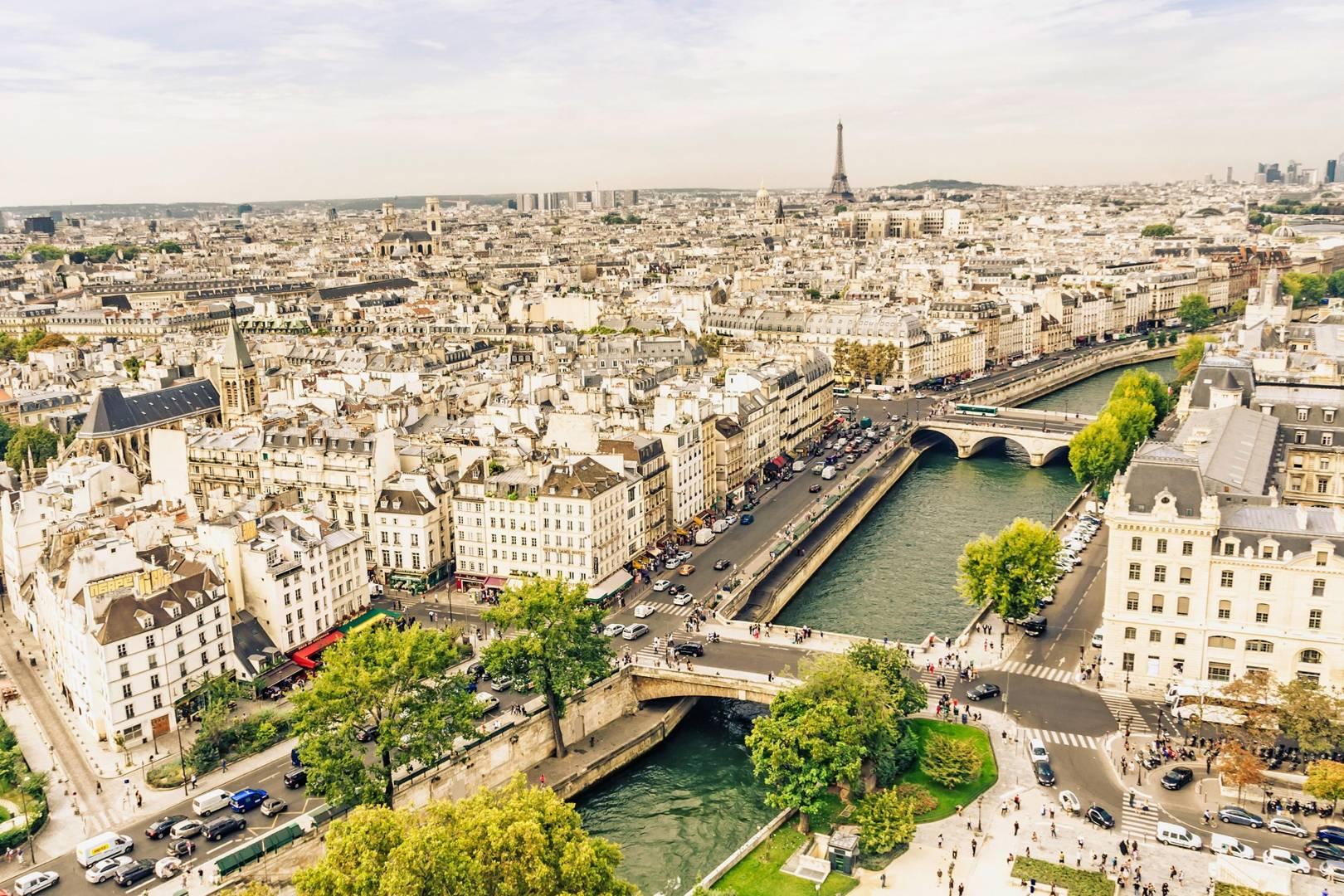 80f550fca90015 Travel Guide To Paris