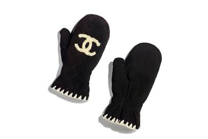 Chanel mittens