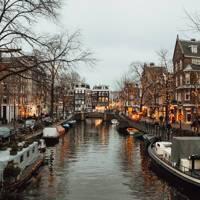 Spiegelgracht canal/Rijksmuseum