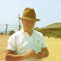 Peter Browne, Senior Editor