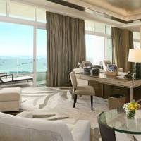 9 . STAY IN A LUXURY SUITE AT AN ICONIC HOTEL
