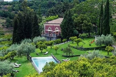 Monaci delle Terre Nere, Sicily