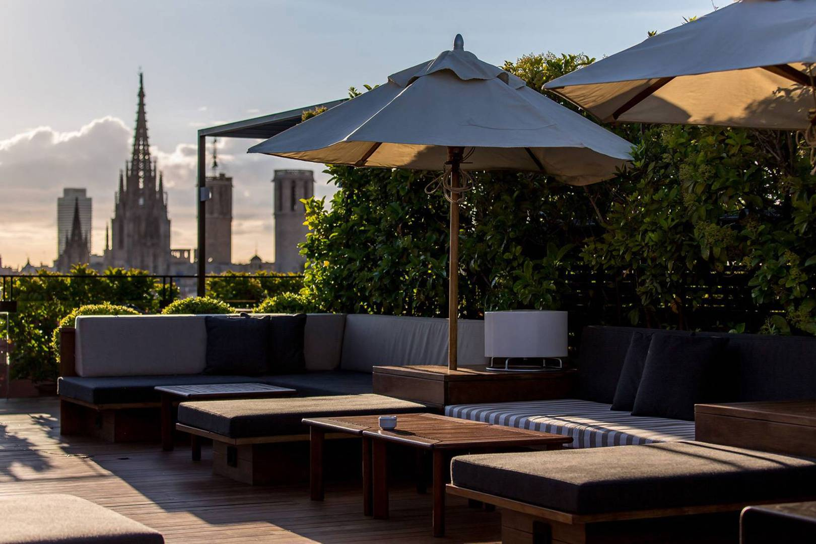 The Best Rooftop Bars In Barcelona Cn Traveller