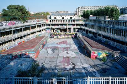 The Molitor Hotel pool in 1989