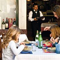 Family-friendly restaurants in Venice
