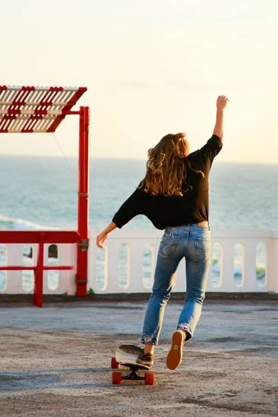 11. Meet the longboarding ladies casually curving along pavements around the world