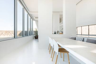 A minimalist island apartment in South Korea