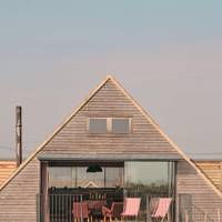OPEN-PLAN PAD, DUNGENESS