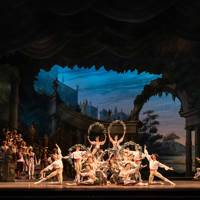 9. Watch a ballet from the Royal Opera House