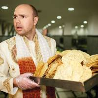 Karl Pilkington in India