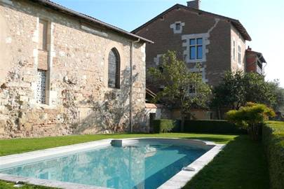 Cottages to rent in France