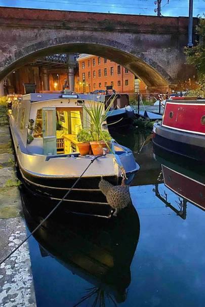 Narrowboat, Deansgate