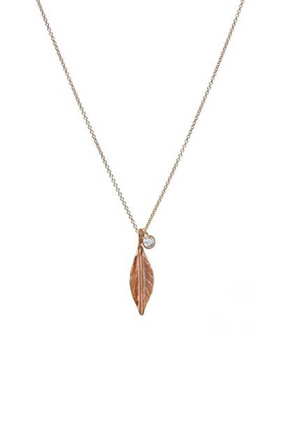 Apriati leaf necklace