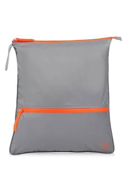 6. La Pochette Sweat Bag