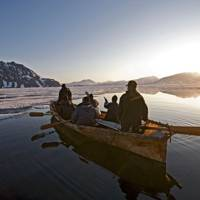 Frozen Planet: photographs from the ends of the earth