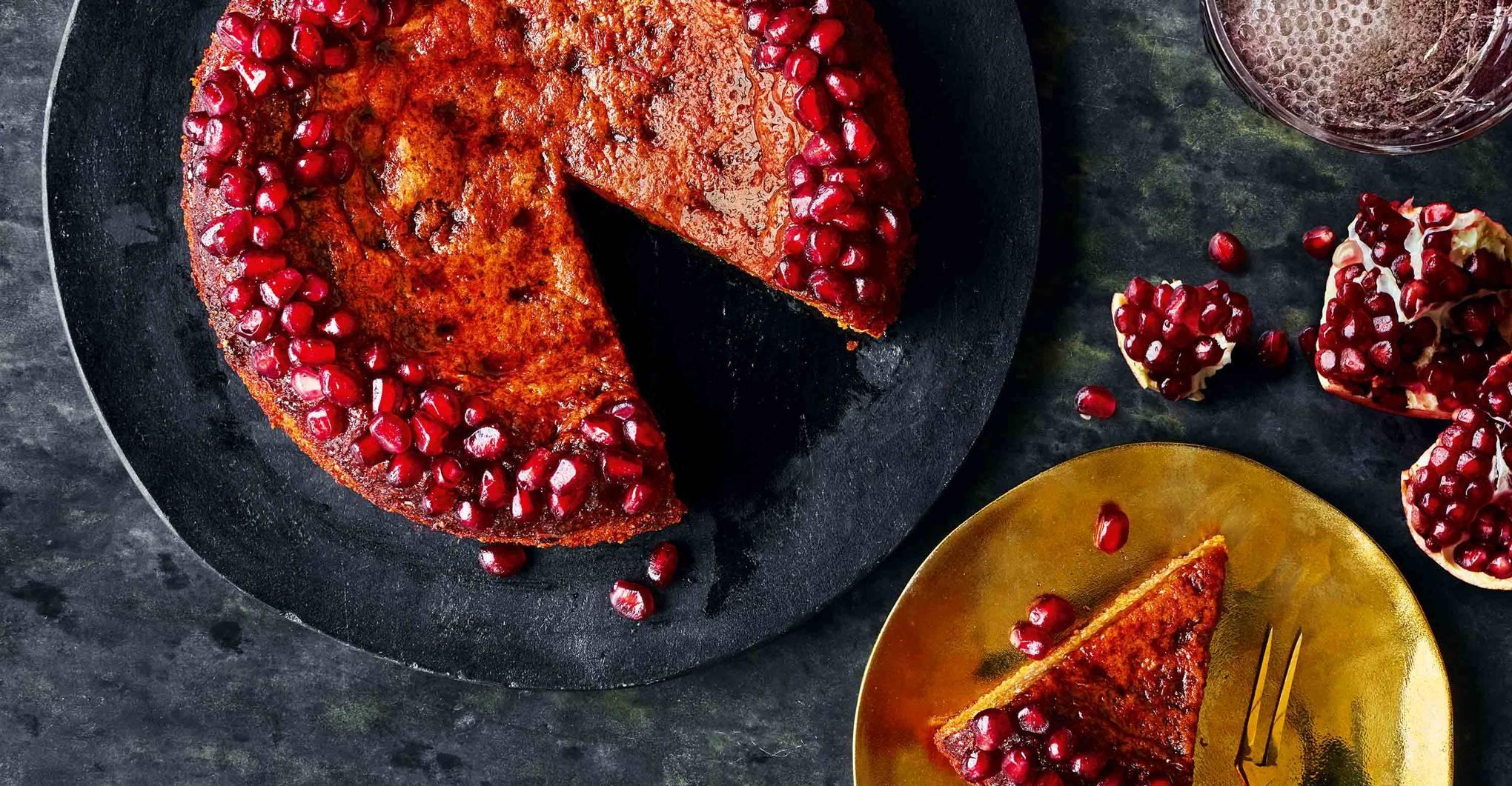 How to make pomegranate and orange cake