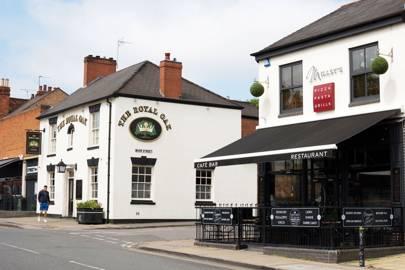 Visit the cute cafés and vintage shops on Earlsdon High Street