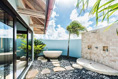 an egg shaped soaker at the trident hotel jamaica - Bathroom Designs Jamaica