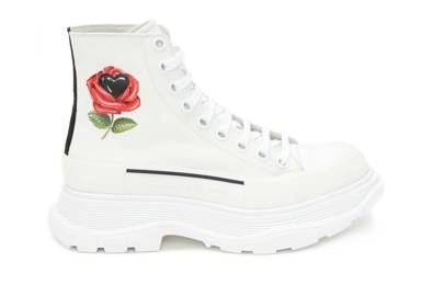 The 'love conquers all' boots