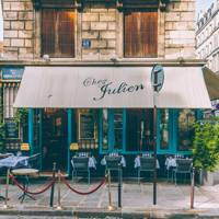 Chez Julien: classic French café