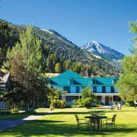 Chico Hot Springs Resort & Day Spa, Montana