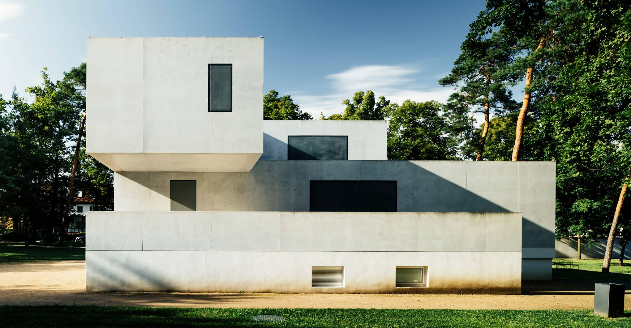 A BAUHAUS-INSPIRED TOUR OF GERMANY