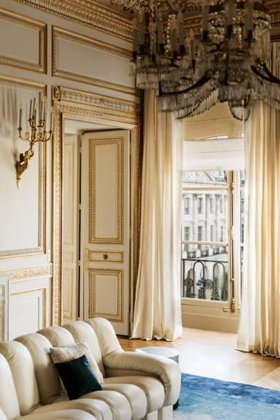1. Boucheron le 26, Paris