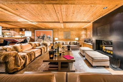 AN OPULENT CHALET IN AN ULTRA-SMART SETTING