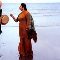 BHAJI ON THE BEACH (1993)